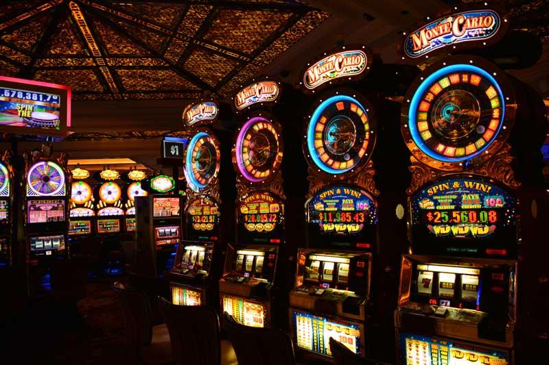 Игровые автоматы Вулкан на деньги - за и против